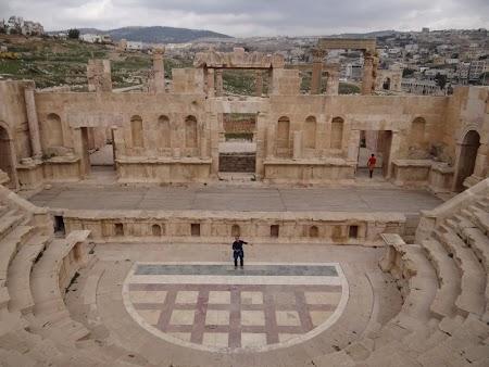 13. Teatrul nordic Jerash.JPG