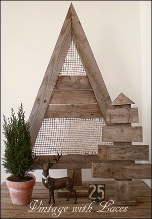 Pallet Wood Christmas Trees by Vintage with Laces