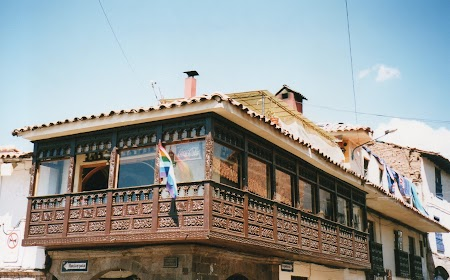 04. Balcoane in Plaza de Armas.jpg