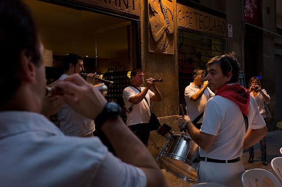 """Dia 23, esmorzar al carrer, als """"quatre Cantons"""". Festes de Santa Tecla. Tarragona, Tarragonès, Tarragona"""