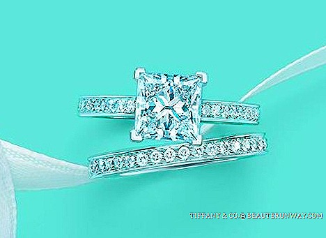 TIFFANY & CO. GRACE ENAGEMENT RING Tiffany® Setting LEGACY LUCIDA Wedding Ring NOVO BEZET EMBRACE SOLESTE ETOILE Blue Box JEWELER Perfect Weddng Band TRUE LOVE Stories 175 YEARS ANNIVERSARY REGAL LEGACY