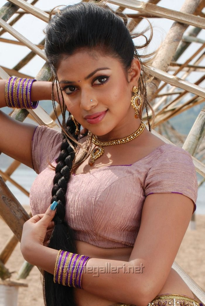South Actress Amala Paul Wallpapers