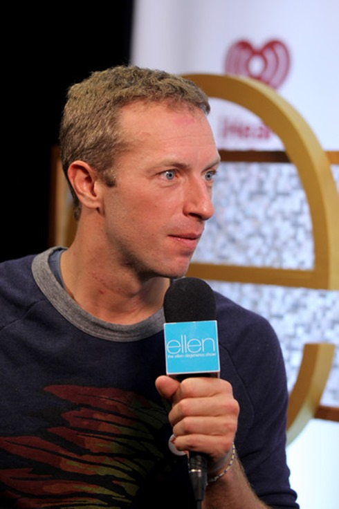 Chris Martin 2014 iHeartRadio Music Festival FB76Wm3VD9hl