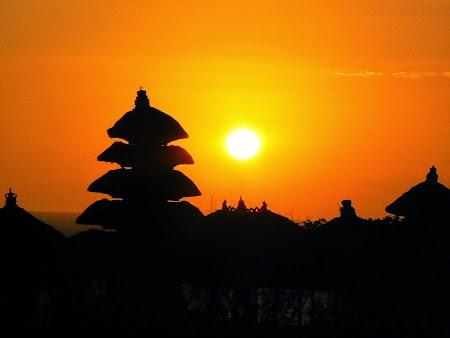 20. Apus de soare in Bali.JPG