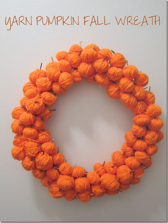 Yarn Pumpkin Fall Wreath {Krafty Kat}