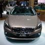 2013-Volvo-V40-Cross-Country-6.jpg