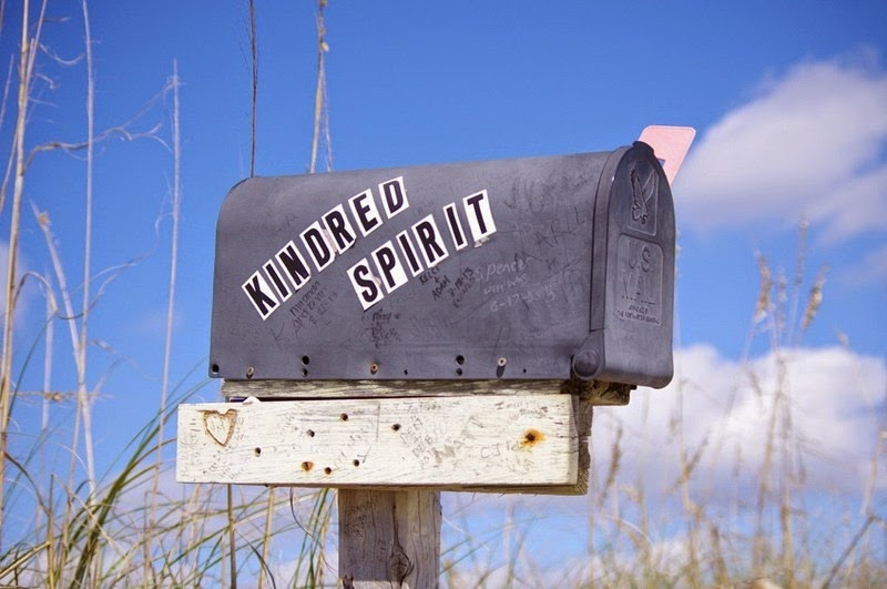 kindred-spirit-mailbox-5