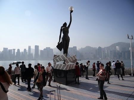 Anul Nou Chinezesc: Statuia cinema Hong Kong