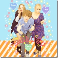 no puri no life purikura poses for three people