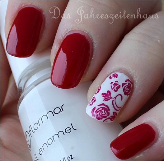 dezentes valentins nageldesign roses are red. Black Bedroom Furniture Sets. Home Design Ideas
