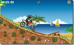 بالأضافة إلى مناطق السباق المختلفة تحتوى اللعبة على أشكال مختلفة للسائقين و الدراجات