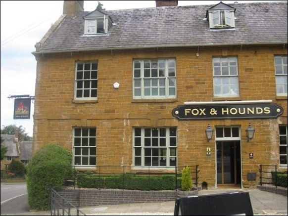 Fox and Hounds 02