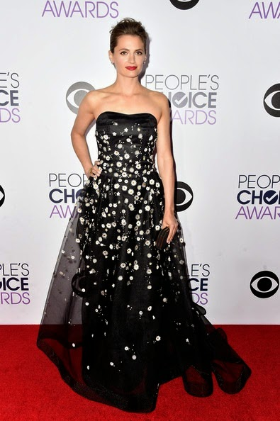 Stana Katic attends The 41st Annual Peoples Choice Awards