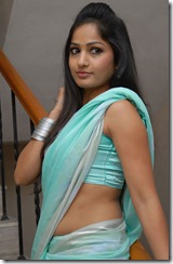 madhavi_latha_exclusive_photo
