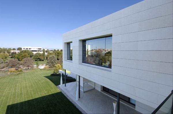 diseño-casa-minimalista-en-madrid-acero-arquitectos