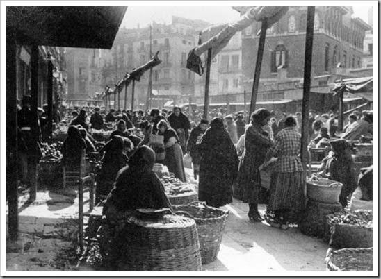 Resultado de imagen de mercado en blanco y negro