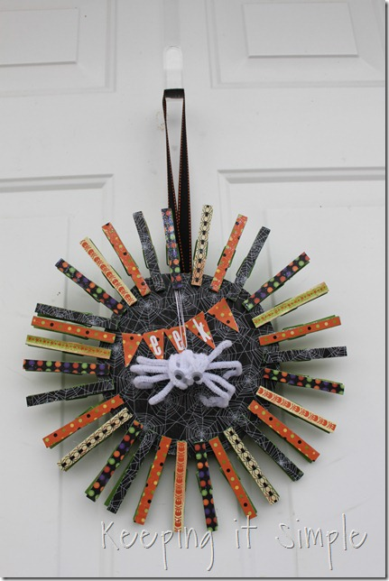 clothes pin Halloween wreath (13)