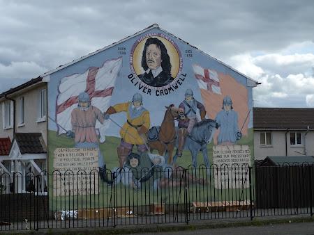Obiective turistice Irlanda de Nord: pictura murala cu Oliver Cromwell in Belfast