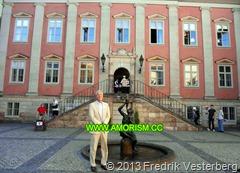 DSC09214.JPG Nederländernas ambassad ambassadör Philip de Heer (1). Med amorism