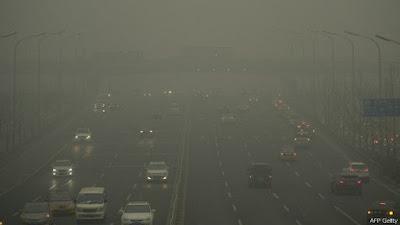 Khói mù ở Bắc Kinh lên mức báo động cao