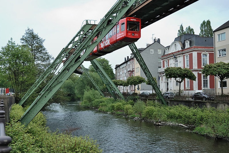 Wuppertaler-Schwebebahn-5