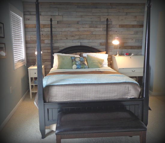 wood pallet wall in gray tones