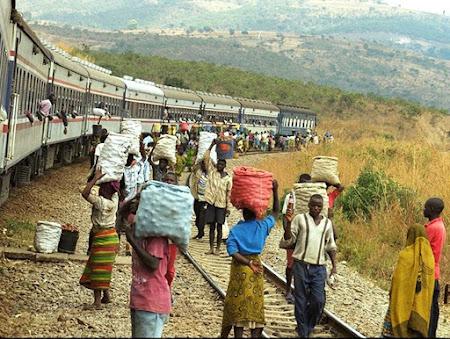 trenul Tazara intre Tanzania si Zambia