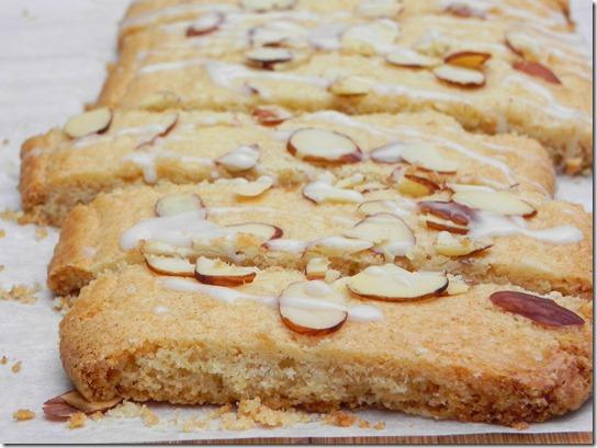 scandinavian-almond-bars-3