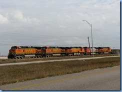 7241 Texas - TX-44 East - train