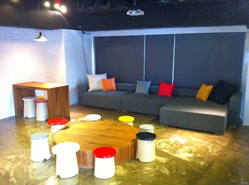 ShinyTea NCTU--Sofa.jpg