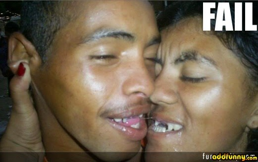 Kiss Of Love Protest In India This Is What I See Funny Pics Funny Indian Pictures Gallery Funnyindianpicz Blogspot Com