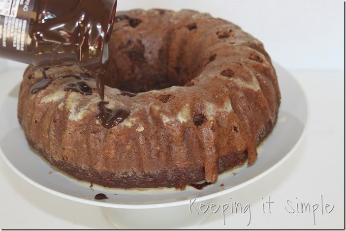 #ad chocolate-fudge-cake-with-Dove-Fruit-Toppings (7)