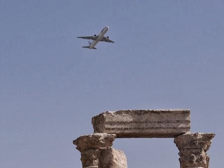 11. Avion deasupra Ammanului.JPG