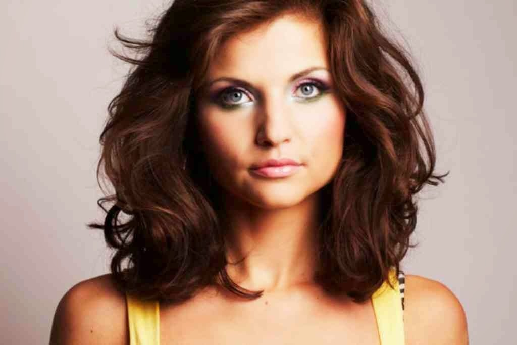 Tremendous Medium To Short Haircuts For Thick Hair Best Hairstyle 2017 Short Hairstyles Gunalazisus
