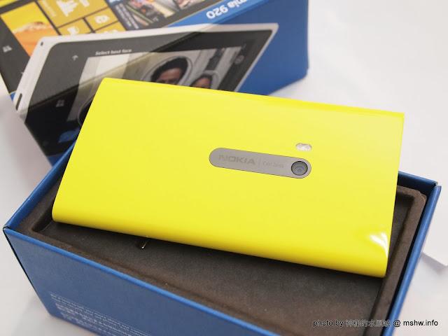 """手機也要防手震! 蔡頭加持,新一代的攝錄影旗艦 """"Nokia Lumia 920"""" 開箱 3C/資訊/通訊/網路 PDA 新聞與政治 硬體 行動電話 通信 開箱"""