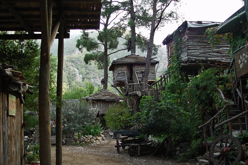 kadirs-tree-houses-3