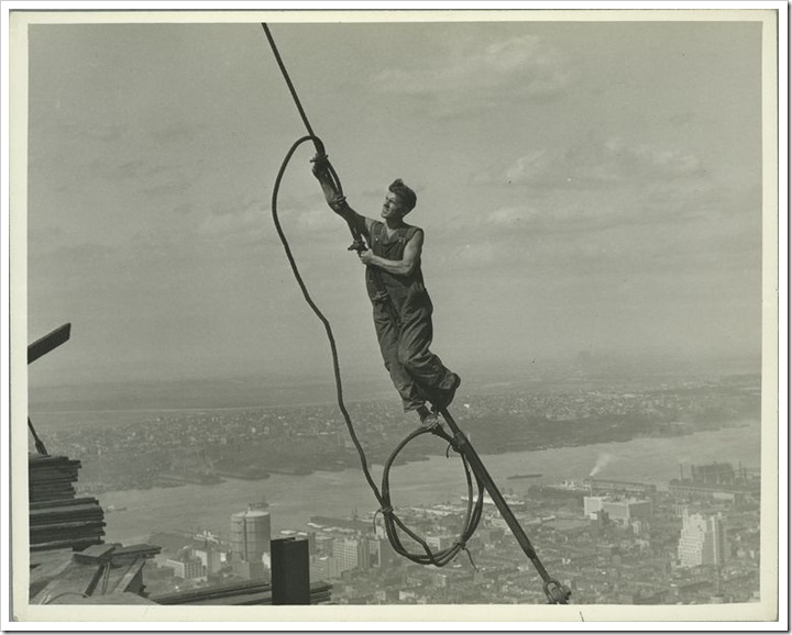 Icarus-high-up-on-Empire-State-1931