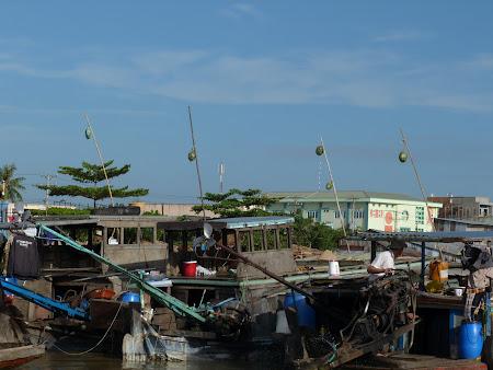 19. piata plutitoare Vietnam.JPG