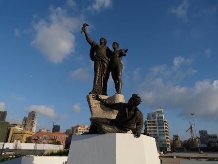 Obiective turistice Liban - statuia martirilor din Beirut.JPG