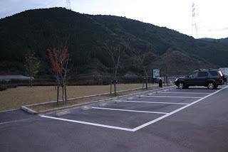 右岸駐車場