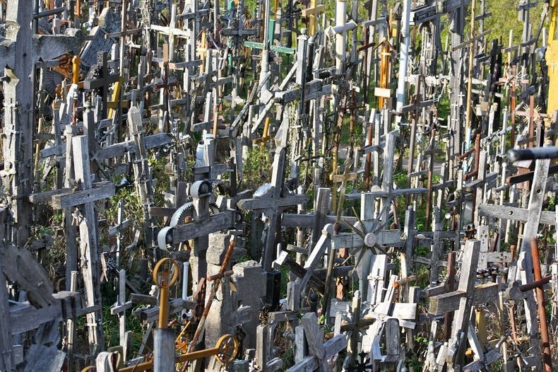 hill-of-crosses-2