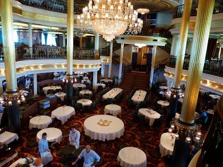 Croziera pe Mediterana: Restaurantul a la carte pe vas