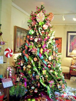 Photos-to-Decorating-ideas-the-tree-this-Christmas-2011-337x450