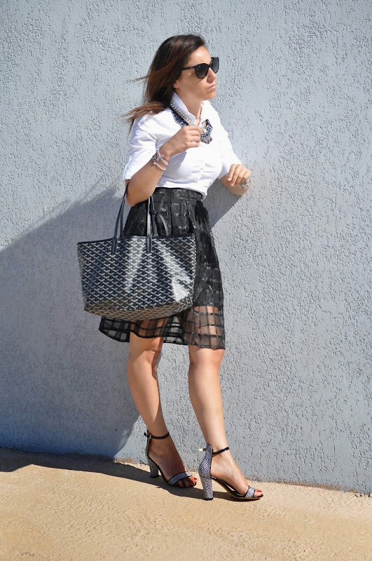 black-white-outfit-fashion-blogger-sarenza-goyard-corsica