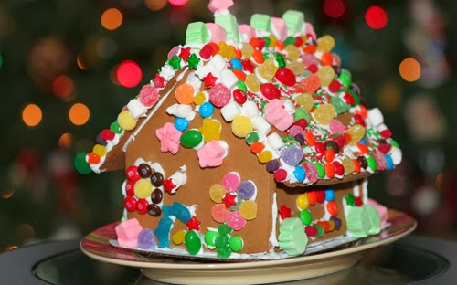 291297__holiday-gingerbread-house_p