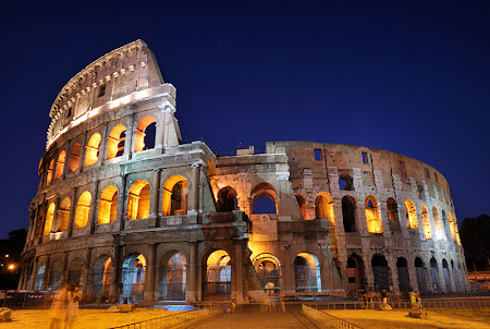 Colliseum by night in Roma