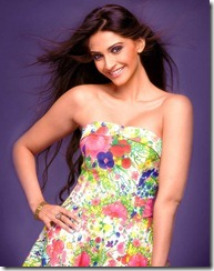 Sonam_Kapoor_stylish_photo
