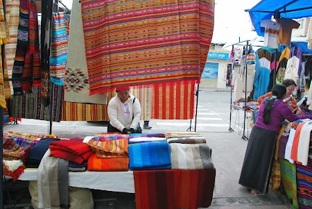 Obiective turistice Ecuador: Piata Otavalo