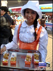 Kroketten crew gave samples at SM MOA