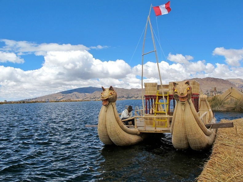uros-floating-island-13